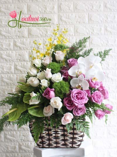 Giỏ hoa chúc mừng- Sự tinh tế